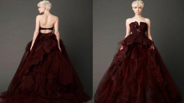 Вара Вонг показала в коллекции практически все оттенки красного цвета. И назвала её Прекрасная мечта