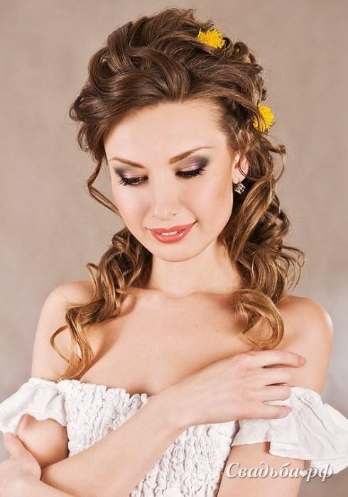 Прически гостье на свадьбу на средние волосы