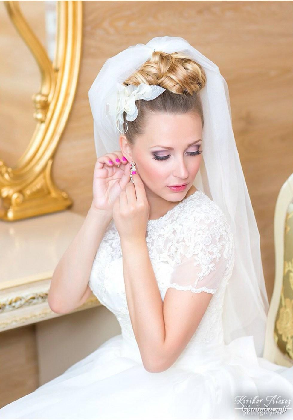 Свадебные прически на средние волосы 2018 фото с фатой