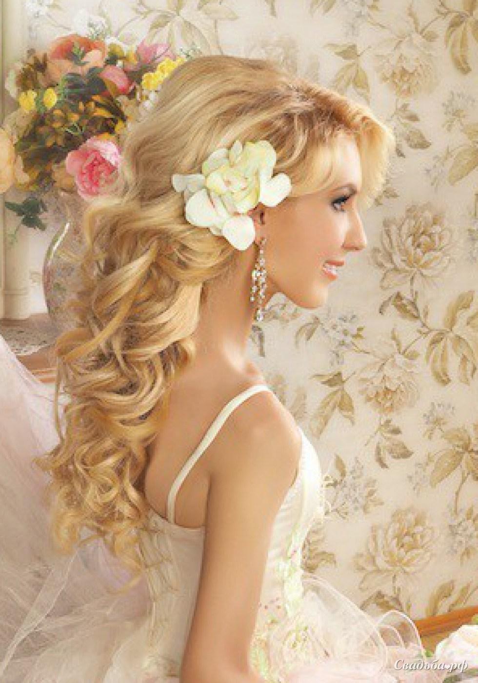 Самые красивые свадебные прически : фото свадебных причесок 342