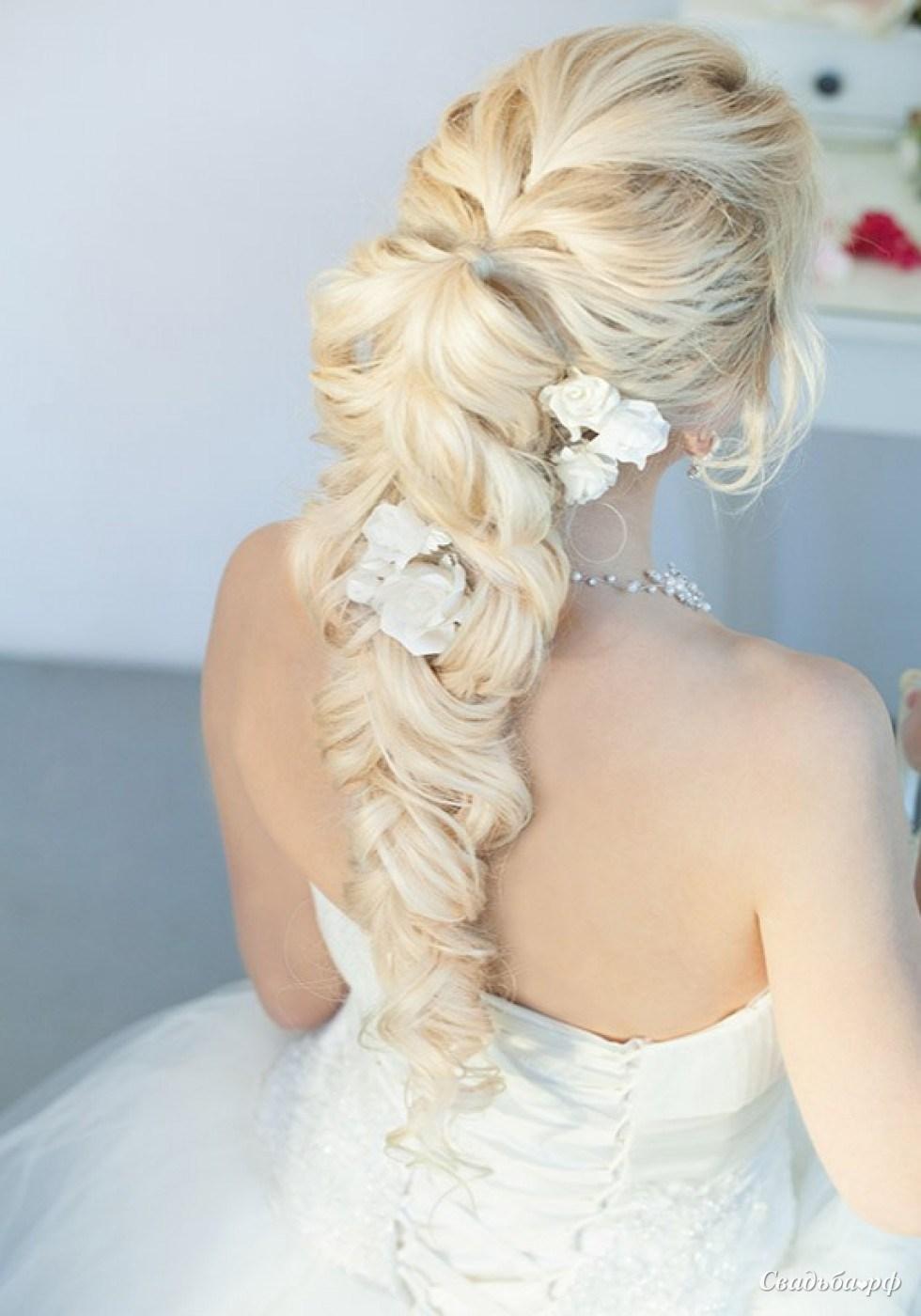 Свадебные прически в косе фото