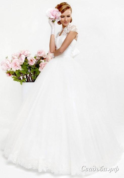 Когда есть прекрасный повод, побывать вновь невестой, отбить жениха у красивой чужой девушки в белом платье — так и будет в реальной жизни.