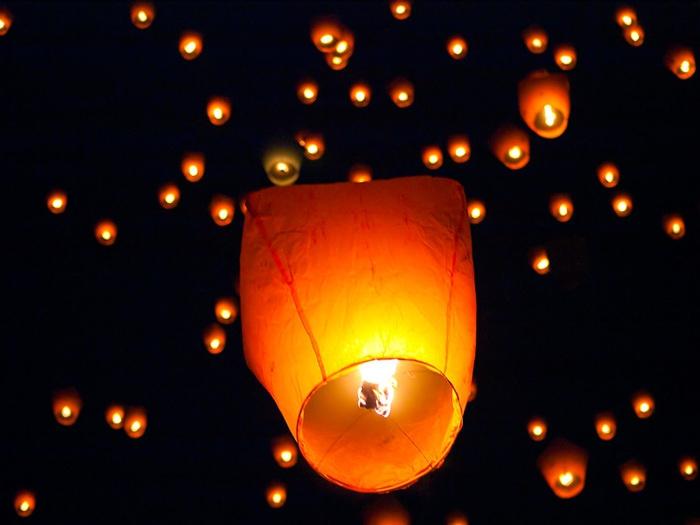 Небесные фонарики символизируют любовь и красоту KAK7.com - Как сделать. Как выбрать. Как.